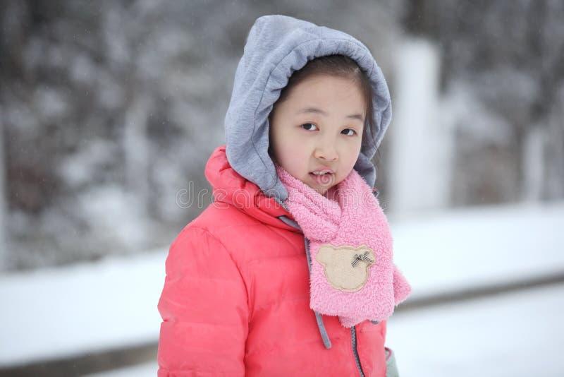 Χειμώνας με τα παιδιά στοκ εικόνες