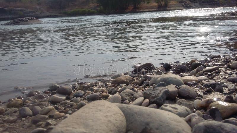 χειμώνας νερού ποταμού τοπίων πάγου ακτών στοκ εικόνες με δικαίωμα ελεύθερης χρήσης