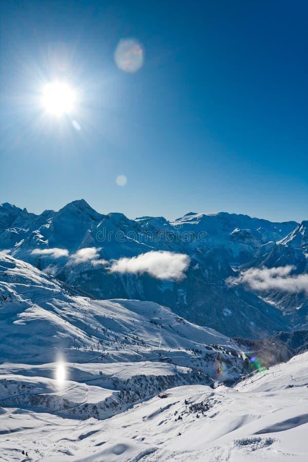 Download χειμώνας ορών στοκ εικόνα. εικόνα από ηλιοφάνεια, παγωμένος - 13176855