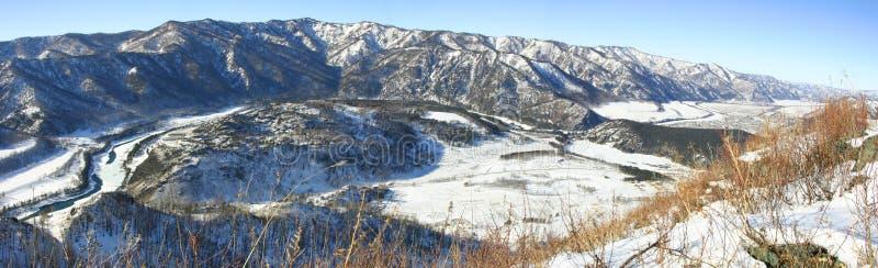 Download χειμώνας πανοράματος στοκ εικόνες. εικόνα από ουρανός, σιβηρία - 525532