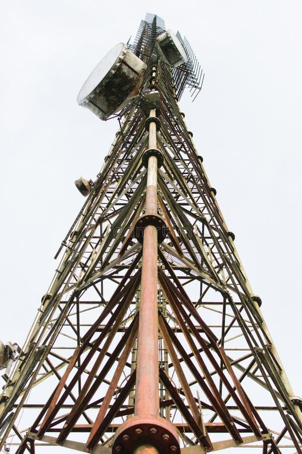 χειμώνας πύργων τηλεπικοινωνιών νύχτας της Μόσχας πόλεων περιοχής dmitrov στοκ φωτογραφίες