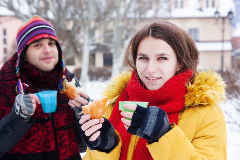 χειμώνας τσαγιού κατανάλ&om στοκ φωτογραφία με δικαίωμα ελεύθερης χρήσης