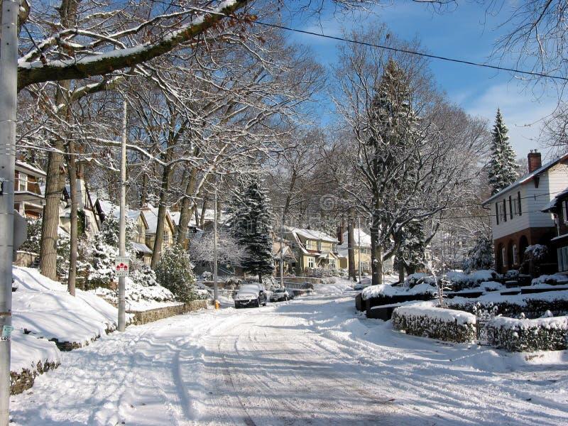 Download χειμώνας 3 οδών στοκ εικόνα. εικόνα από παγετός, κατοικία - 390795