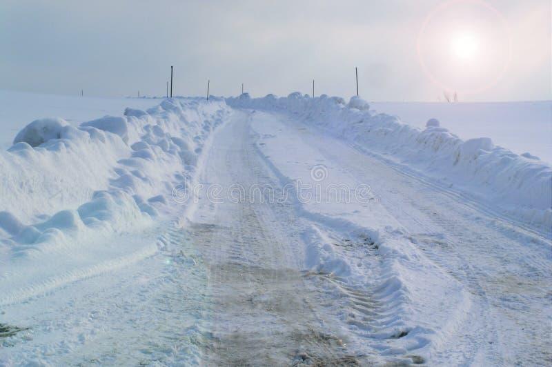 Download χειμώνας στοκ εικόνες. εικόνα από μονοπάτι, snowstorm, ουρανός - 86494