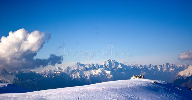 Χειμώνας Belluno Prealps μια ηλιόλουστη ημέρα στοκ εικόνα με δικαίωμα ελεύθερης χρήσης