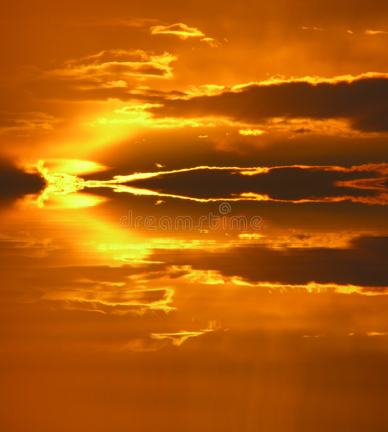 χειρισμένο ηλιοβασίλεμ&al στοκ εικόνες
