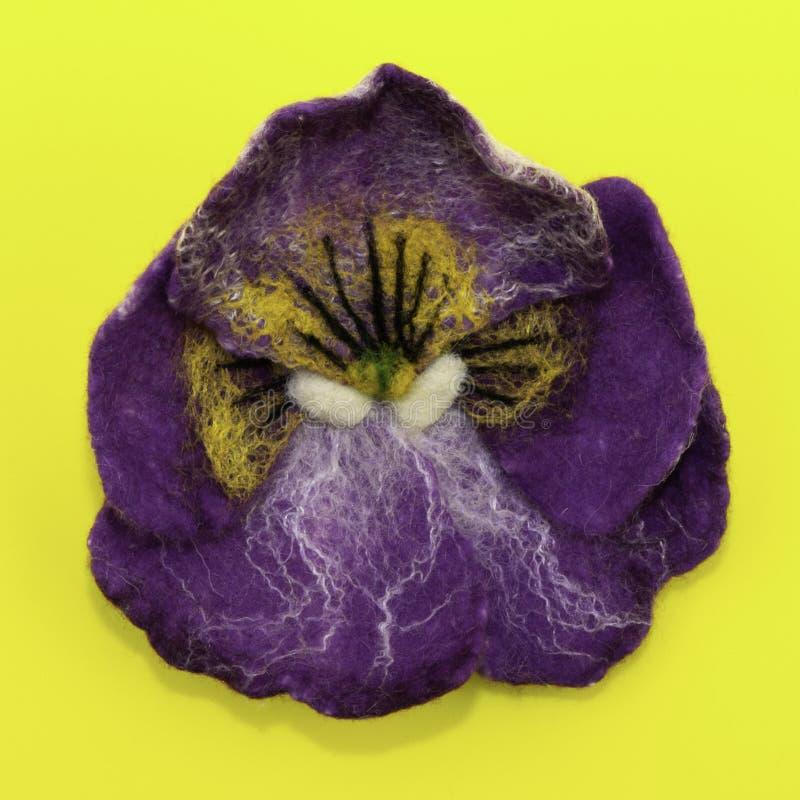 Χειροποίητο αισθητό, λουλούδια στοκ φωτογραφία με δικαίωμα ελεύθερης χρήσης