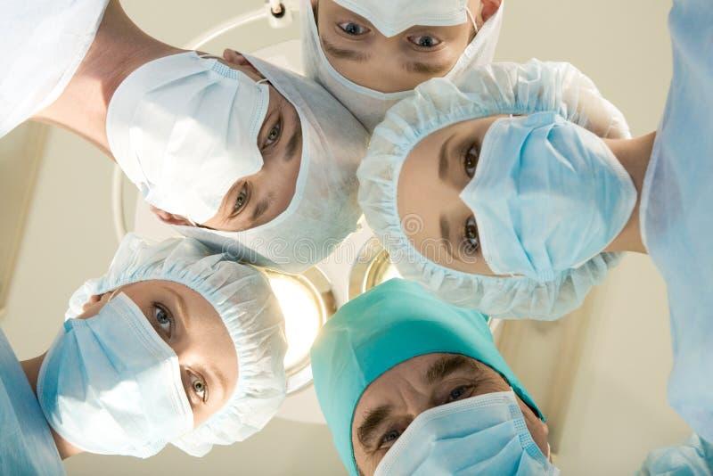 χειρούργοι ομάδας στοκ φωτογραφία