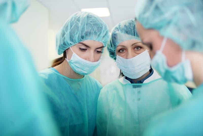 Χειρούργοι στοκ φωτογραφίες