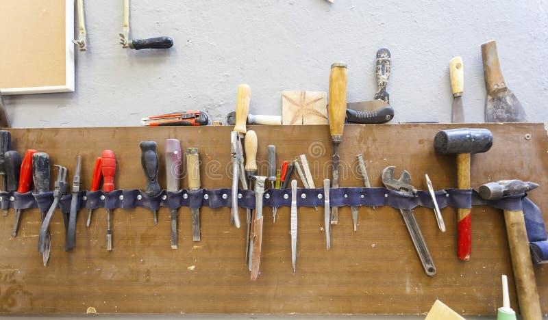 Χειρωνακτικό εργαλείο στο carpenter& x27 εργαστήριο του s στοκ εικόνα με δικαίωμα ελεύθερης χρήσης