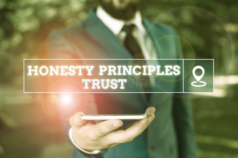 Χειρόγραφο κείμενο Ειλικρίνεια Αρχές Εμπιστοσύνη Έννοια που σημαίνει να πιστεύεις κάποιον για δεδομένο Λέγοντας αλήθεια στοκ εικόνα με δικαίωμα ελεύθερης χρήσης