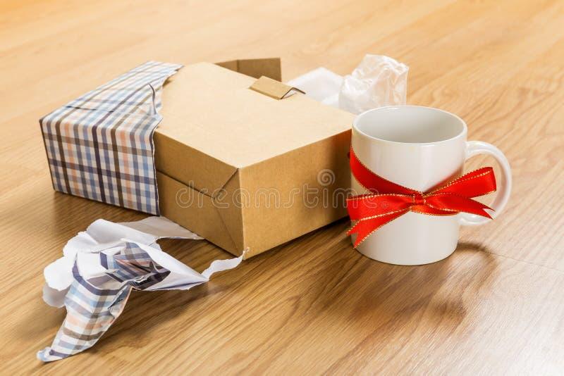 Χειρότερο δώρο Χριστουγέννων, φλυτζάνι στοκ εικόνες με δικαίωμα ελεύθερης χρήσης