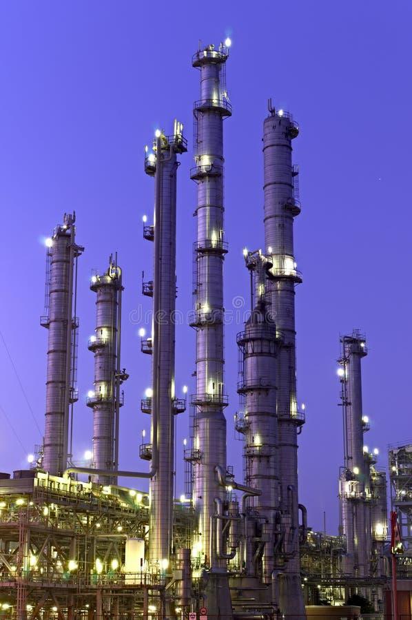 χημικοί πύργοι στοκ φωτογραφία