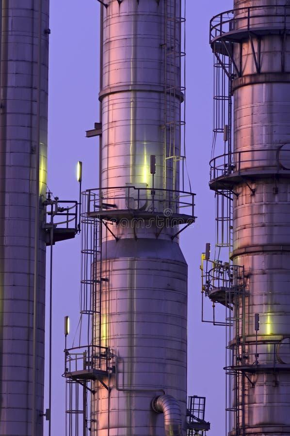 χημικοί πύργοι στοκ φωτογραφία με δικαίωμα ελεύθερης χρήσης