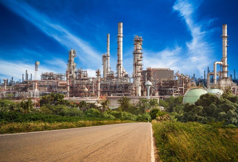 χημικό πετρέλαιο εργοστ&alp στοκ εικόνες με δικαίωμα ελεύθερης χρήσης