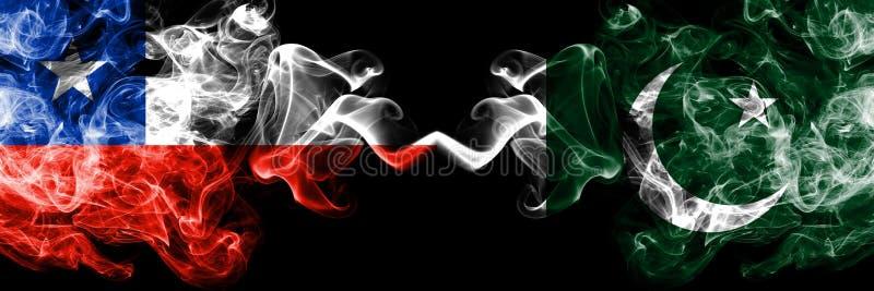 Χιλή εναντίον του Πακιστάν, πακιστανικές καπνώείς απόκρυφες σημαίες που τοποθετούνται δίπλα-δίπλα Πυκνά χρωματισμένος μεταξωτός σ στοκ εικόνες