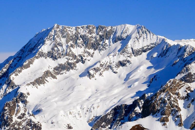 Χιονισμένα γαλλικά αλπικά βουνά στοκ εικόνες με δικαίωμα ελεύθερης χρήσης