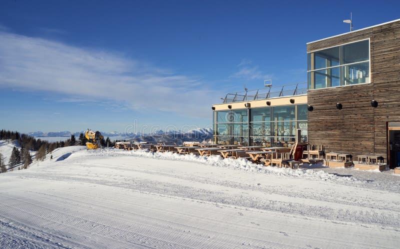 Χιονοδρομικό κέντρο Brunnach, ST Oswald, Carinthia, Αυστρία - 20 Ιανουαρίου 2019: Στο σταθμό Brunnach βουνών στο ST Oswald, Αυστρ στοκ φωτογραφίες
