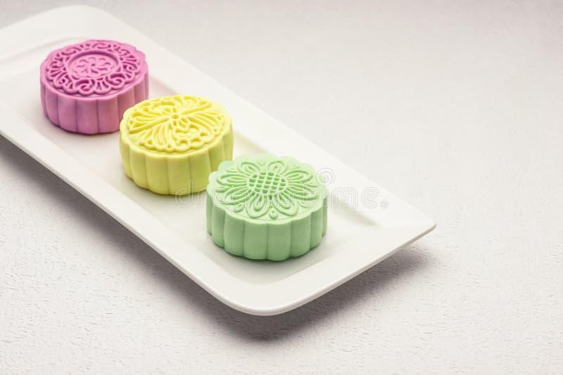 Χιονώδες δέρμα mooncakes Μέσο φεστιβάλ FO φθινοπώρου παραδοσιακού κινέζικου στοκ εικόνα