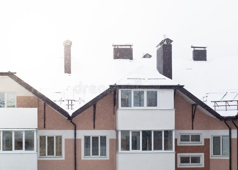 Χιονώδες condo το χειμώνα στοκ εικόνες