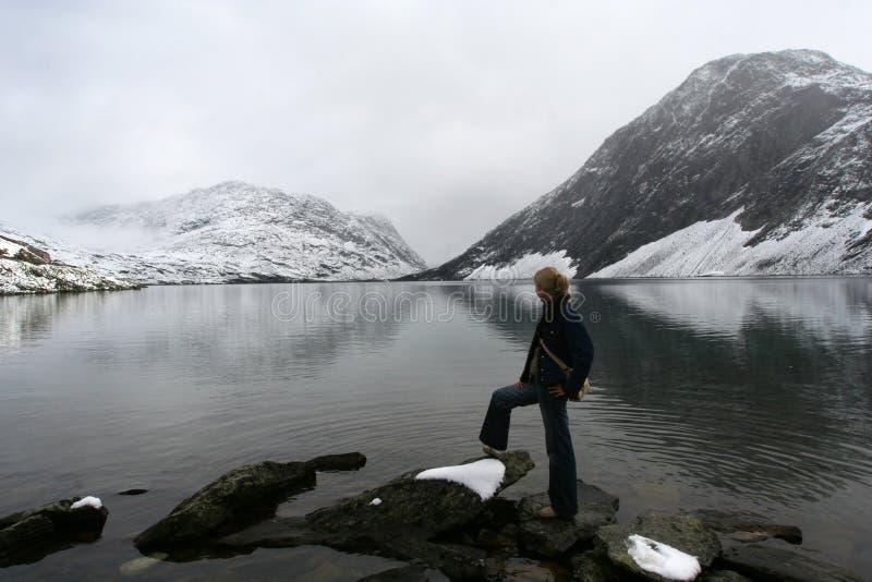χιόνι βουνών λιμνών στοκ εικόνες