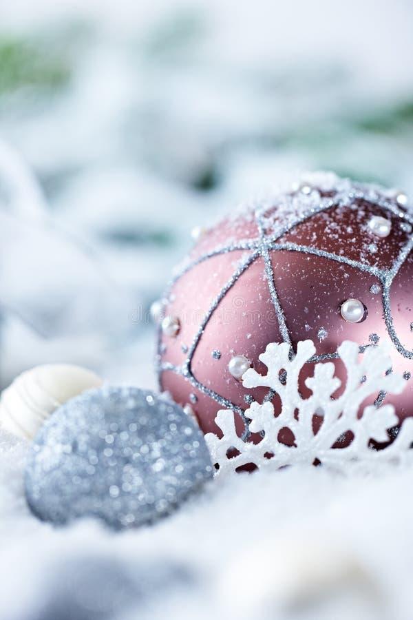 χιόνι δώρων Χριστουγέννων σ& στοκ εικόνες