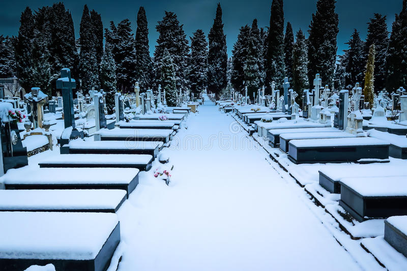 Χιόνι στο νεκροταφείο ST Jose Burgos στοκ φωτογραφίες