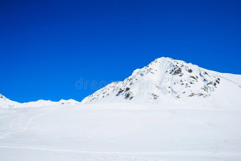 Χιόνι στο πέρασμα Hatcher την ηλιόλουστη ημέρα στοκ φωτογραφία