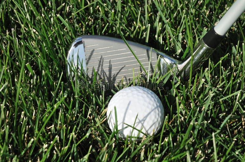 χλόη γκολφ λεσχών σφαιρών &m στοκ εικόνες με δικαίωμα ελεύθερης χρήσης