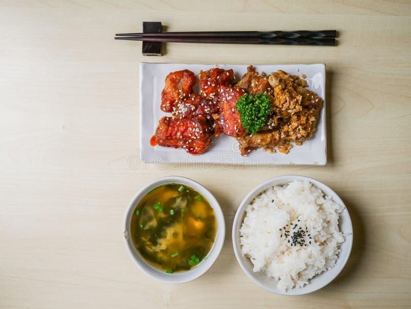 Χοιρινό κρέας πλευρών που τηγανίζονται και ρύζι στοκ φωτογραφία με δικαίωμα ελεύθερης χρήσης
