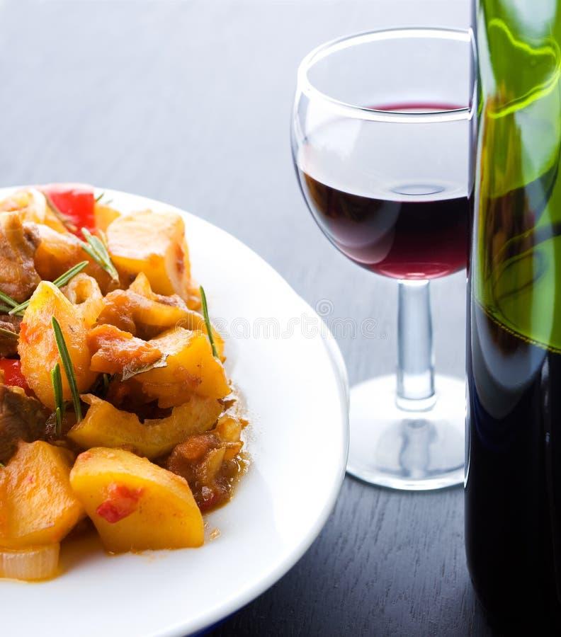 χοιρινό κρέας που μαγειρ&ep στοκ φωτογραφίες με δικαίωμα ελεύθερης χρήσης