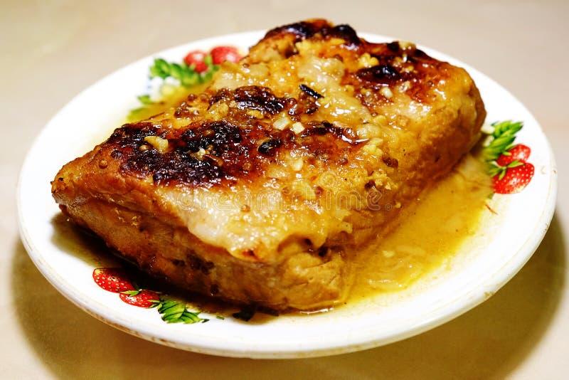 Χοιρινό κρέας που ψήνεται στο φούρνο στοκ φωτογραφία με δικαίωμα ελεύθερης χρήσης
