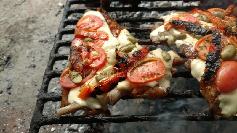 χοιρινό κρέας στην πίτσα στοκ φωτογραφία με δικαίωμα ελεύθερης χρήσης