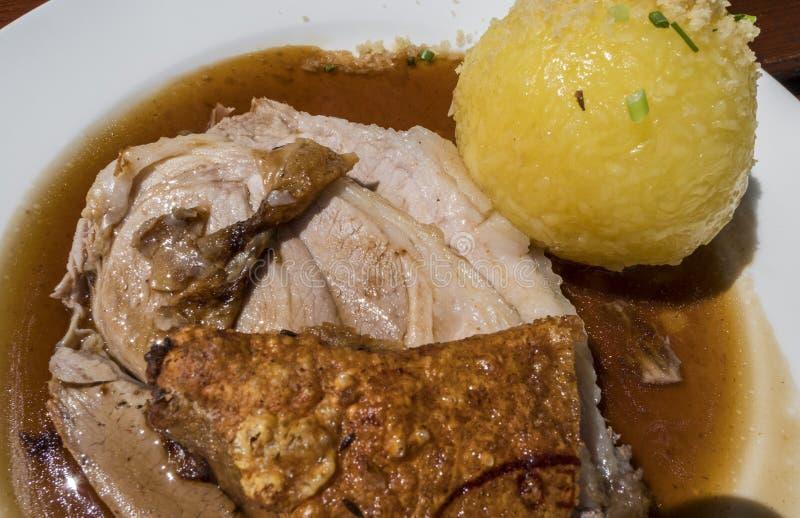 Χοιρινό κρέας ψητού με τις μπουλέττες στοκ εικόνες με δικαίωμα ελεύθερης χρήσης