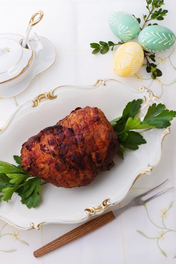 Χοιρινό κρέας ψητού με το ζαμπόν στοκ φωτογραφία