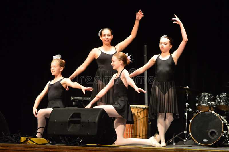 Χορευτές ΑΜΕΡΙΚΑΝΙΚΟΥ μπαλέτου στοκ φωτογραφίες με δικαίωμα ελεύθερης χρήσης