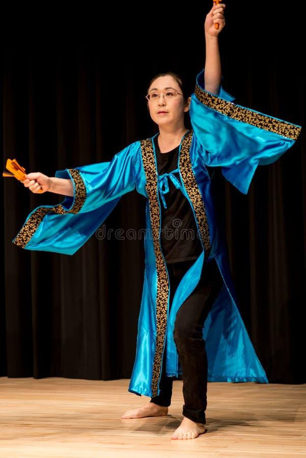 Χορευτές - ιαπωνικός χορός στοκ φωτογραφίες