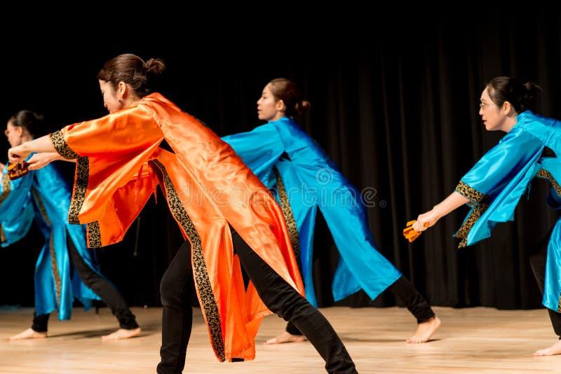 Χορευτές - ιαπωνικός χορός στοκ εικόνα με δικαίωμα ελεύθερης χρήσης