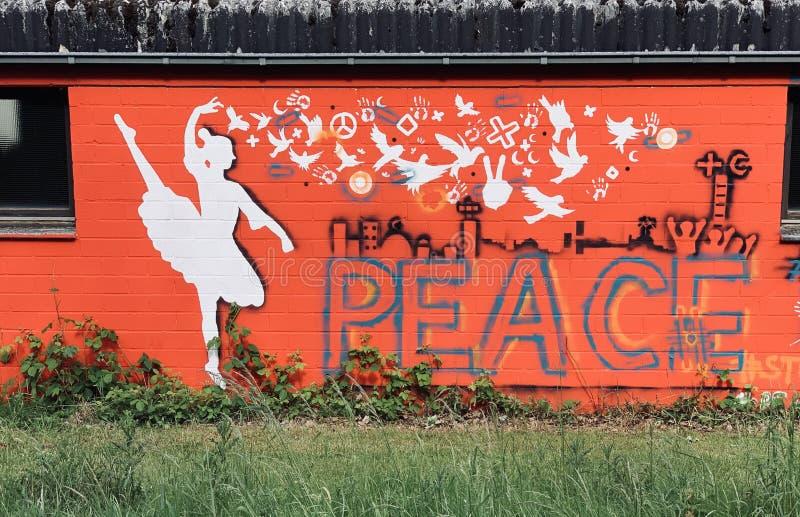Χορευτής μπαλέτου τέχνης γκράφιτι στοκ εικόνα με δικαίωμα ελεύθερης χρήσης
