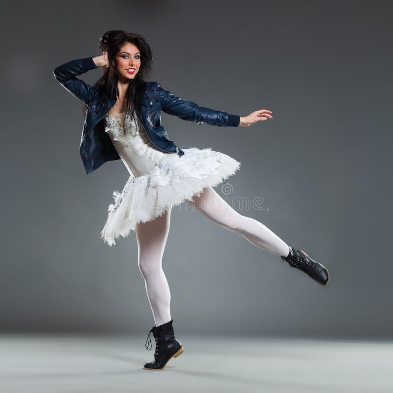 Χορευτής μπαλέτου εμπροσθοφυλακής στοκ φωτογραφία με δικαίωμα ελεύθερης χρήσης