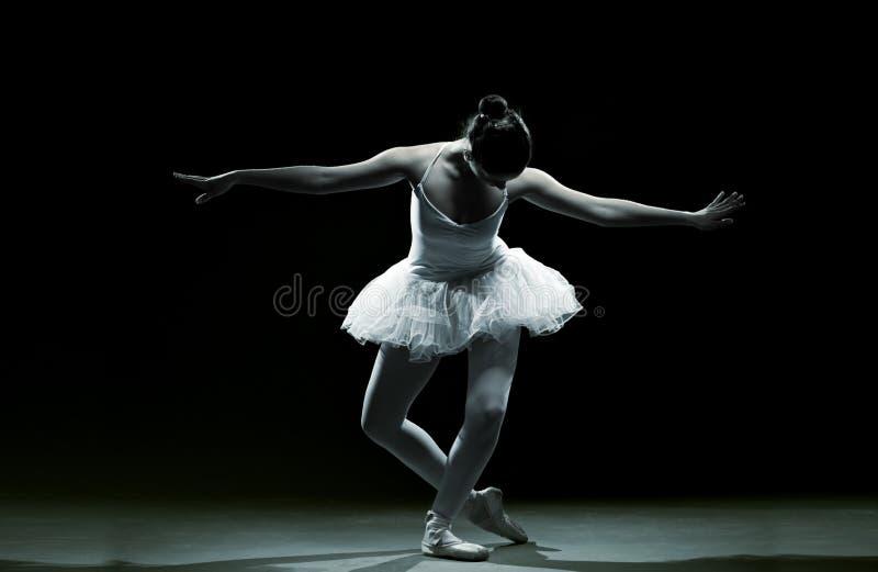 Χορευτής-δράση μπαλέτου στοκ εικόνες
