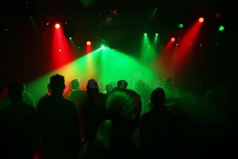 Download χορεύοντας έφηβοι στοκ εικόνες. εικόνα από ντισκοτέκ, κτύπημα - 2229500