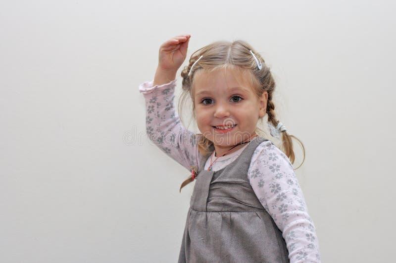 Download χορεύοντας κορίτσι ελάχ&io στοκ εικόνες. εικόνα από χορός - 13175184