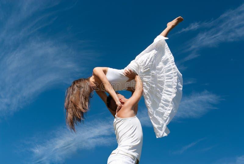 χορεύοντας νεολαίες ο&u στοκ εικόνες