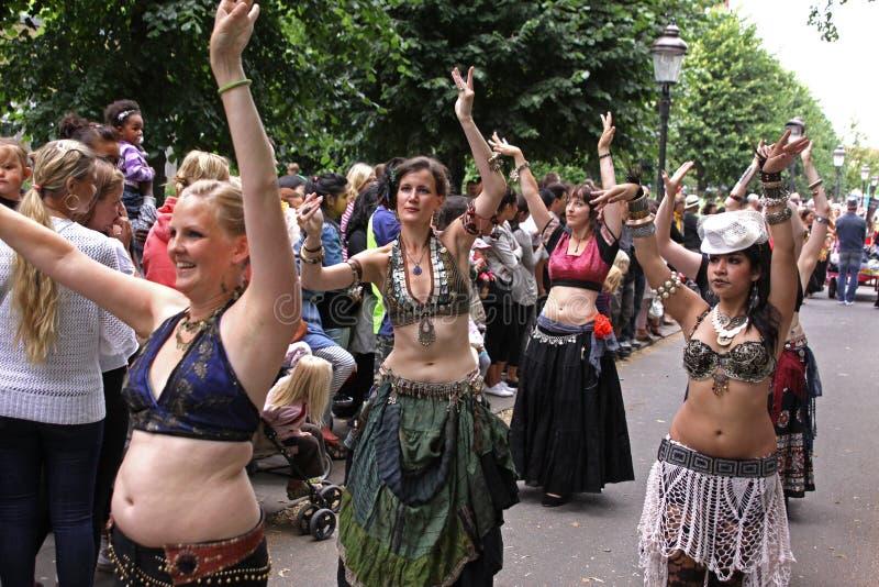 χορεύοντας στάδιο ανθρώπ&om στοκ φωτογραφία