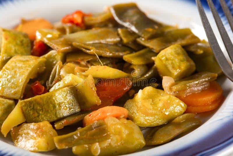 Χορτοφάγα τρόφιμα, βρασμένα λαχανικά στοκ εικόνα με δικαίωμα ελεύθερης χρήσης