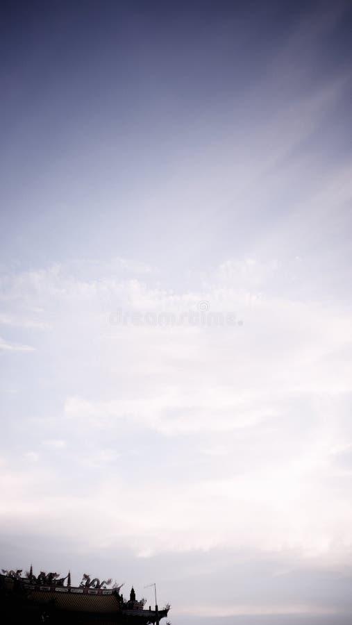 Χορός δράκων καθώς κατεβαίνουν από τους ουρανούς στοκ εικόνες με δικαίωμα ελεύθερης χρήσης
