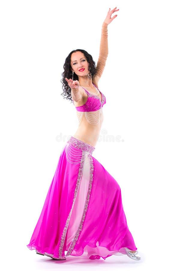 Χορός κοιλιών χορού κοριτσιών η ανασκόπηση απομόνωσε το λευκό στοκ φωτογραφίες