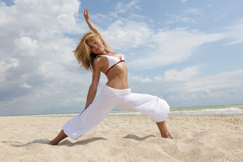 χορός παραλιών στοκ εικόνα με δικαίωμα ελεύθερης χρήσης