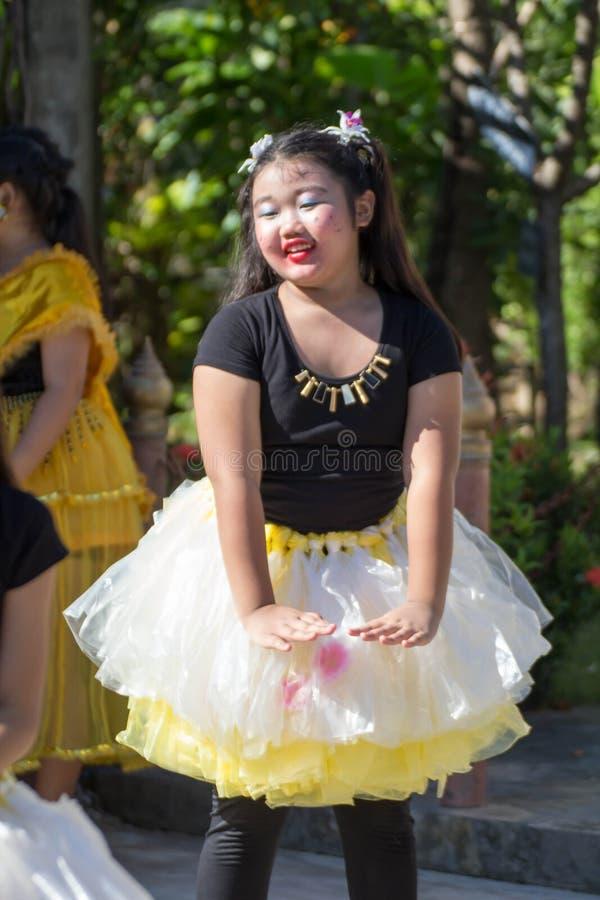 Χορός πολιτισμού σπουδαστών της Ταϊλάνδης στοκ φωτογραφία με δικαίωμα ελεύθερης χρήσης